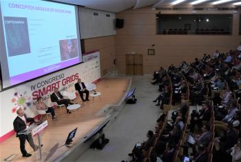 Fernando Monzon - Gerente y CTO - Everis - General 2 Ponencia - 4 Congreso Smart Grids