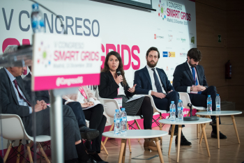 Alicia-Carrasco-Entra-Mesa-Redonda-1-5-Congreso-Smart-Grids-2018