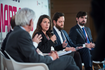Alicia-Carrasco-Entra-Mesa-Redonda-2-5-Congreso-Smart-Grids-2018