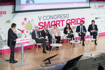 Alicia-Carrasco-Entra-Mesa-Redonda-3-5-Congreso-Smart-Grids-2018