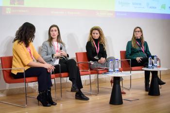 020-40-Martina-Tome-Schneider-Mesa-Redonda-6-Congreso-Smart-Grids-2019